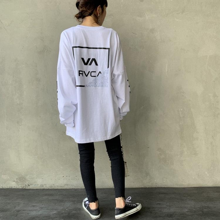 RVCA [ルーカ]のFRACTION ロングスリーブTシャツのレディースコーディネートです。