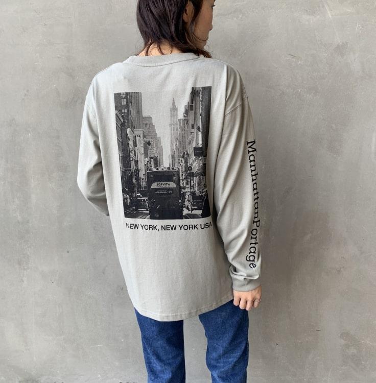 MANHATTAN PORTAGE [マンハッタンポーテージ] 別注バックプリントロングスリーブTシャツです。