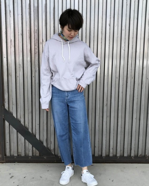 SPRING  SWEAT  STYLE